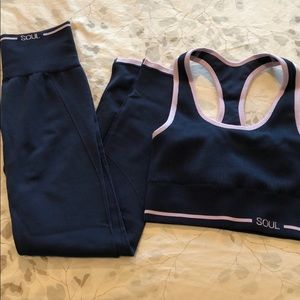 Soul by SoulCycle navy/pink seamless kit NWOT